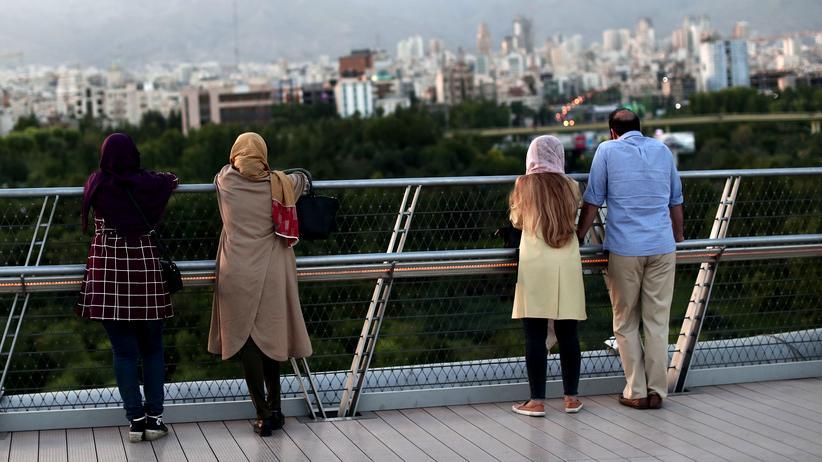 """Iran: """"Die Angst vor einem Krieg liegt wie ein Schatten über dem Land"""""""