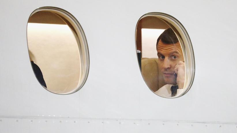 Klimaschutz: Frankreichs Präsident Emmanuel Macron findet: Kerosin muss besteuert werden.