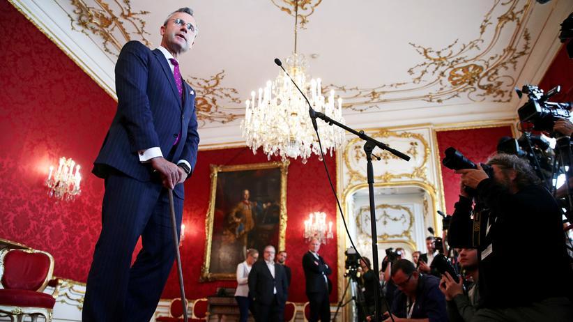 Koalition in Österreich: ÖVP und FPÖ ringen um Übergangsregierung