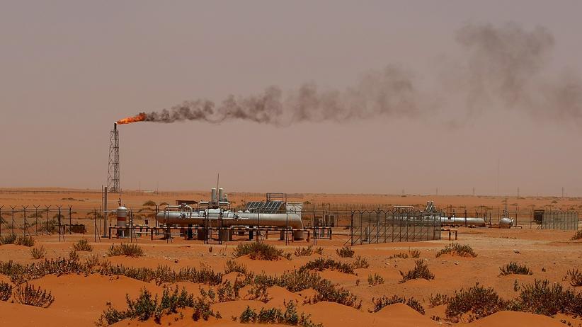 Naher Osten: Teile einer Ölanlage des staatlichen Ölkonzern Saudi Aramco etwa 160 Kilometer von der Hauptstadt Riad entfernt