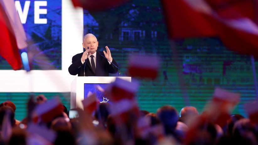 Polen: Wie viel Macht ist genug? PiS-Parteichef Jarosław Kaczyński bei einer Rede in Polen.