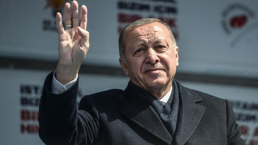 Recep Tayyip Erdoğan: Recep Tayyip Erdoğan sichert seine Macht.