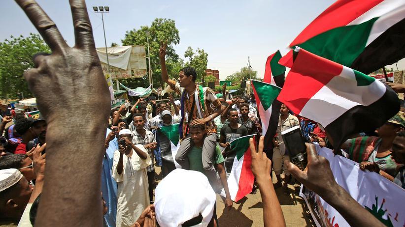 Sudan: Zehntausende protestieren erneut gegen die Militärregierung