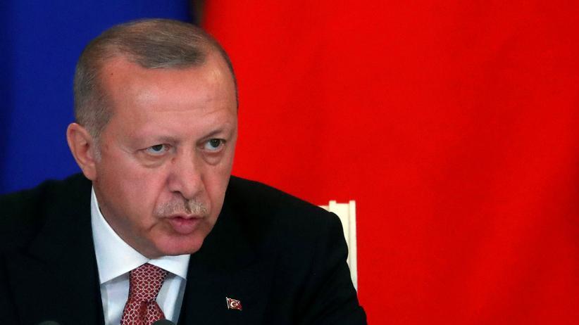 """Recep Tayyip Erdoğan: """"Unser Volk wird sich dem Druck nicht beugen"""""""