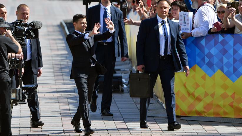 Neuer Präsident Selenskyj löst Parlament auf