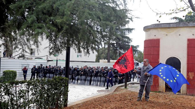EU-Beitrittsverhandlungen für Nordmazedonien und Albanien verschoben