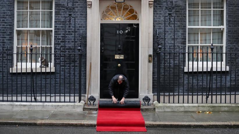Großbritannien: Schaulaufen der großen Versprechen