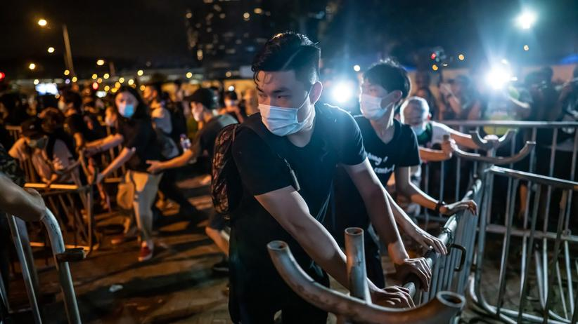 Hongkong: Demonstrationen und Barrikaden