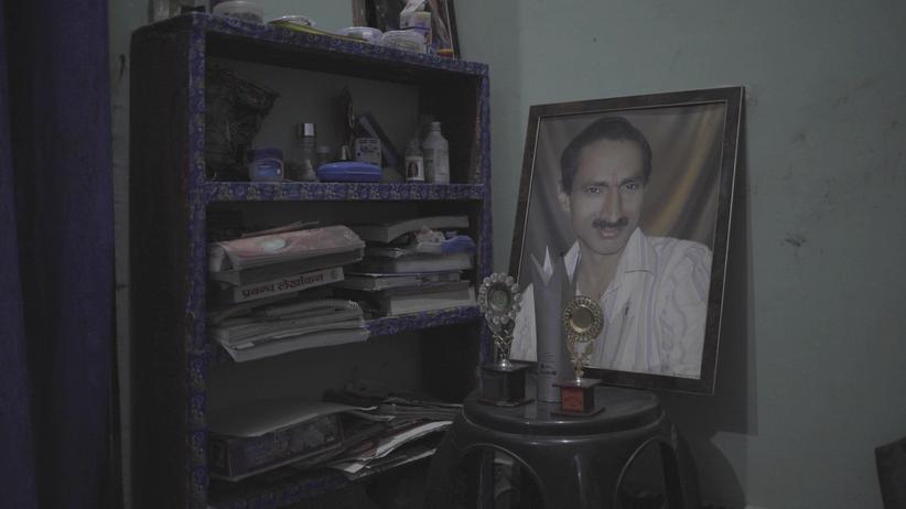 Indien: Bilder des getöteten Reporters Jagendra Singh in seiner Wohnung