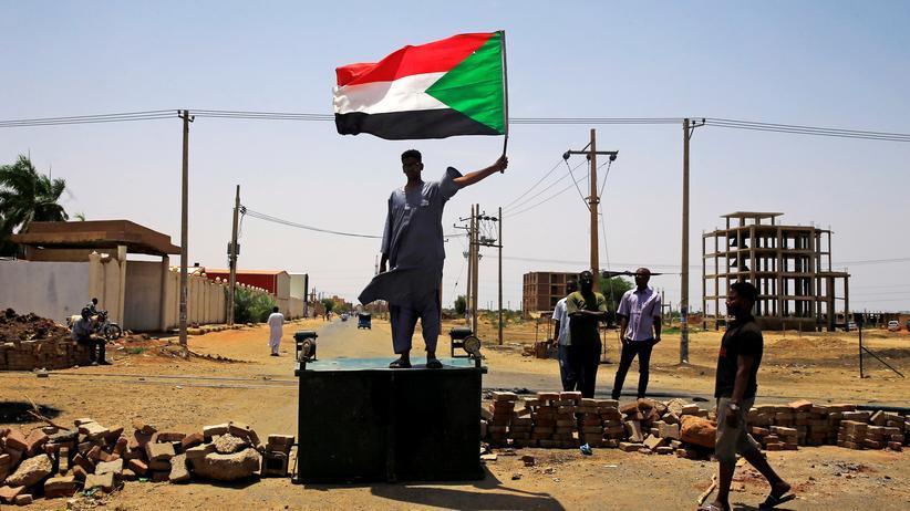 Khartum: Afrikanische Union suspendiert Sudan