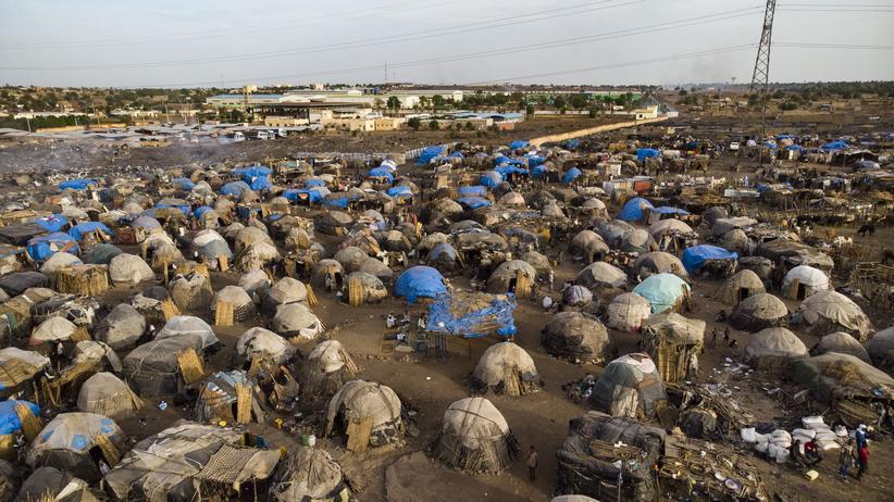 Mali: Das Flüchtlingscamp Faladié in der Nähe der malischen Hauptstadt Bamako. Etwa 800 Menschen sind vor den Unruhen im Zentrum des Landes hierher geflüchtet.
