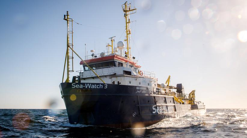 """Seenotrettung: Das Rettungsschiff """"Sea-Watch 3"""" vor der libyschen Küste"""