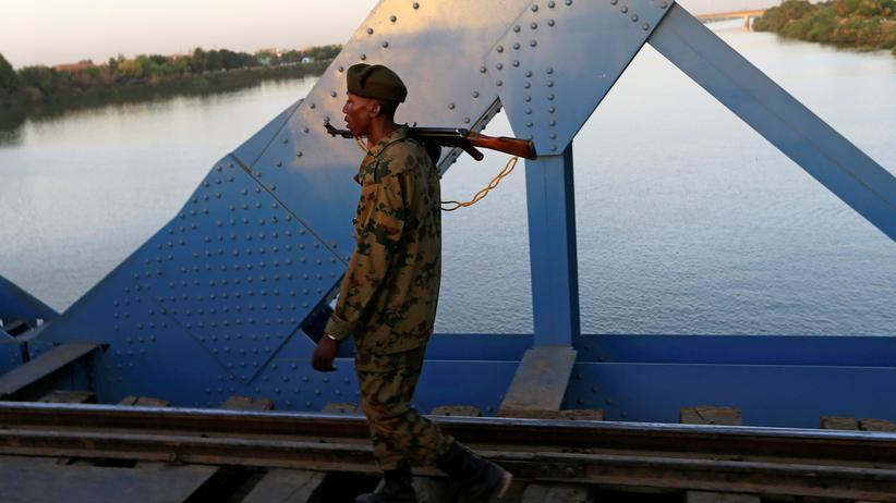 Sudan: Militärrat im Sudan nimmt eigene Soldaten fest