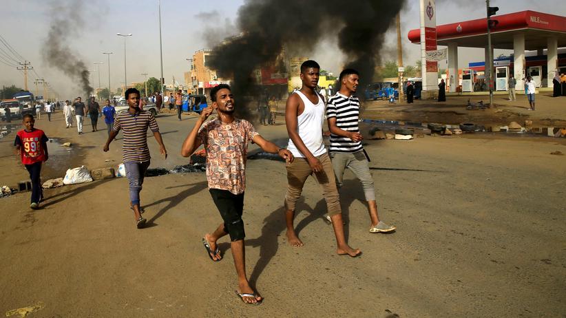 Sudan: Militärrat kündigt Neuwahlen an