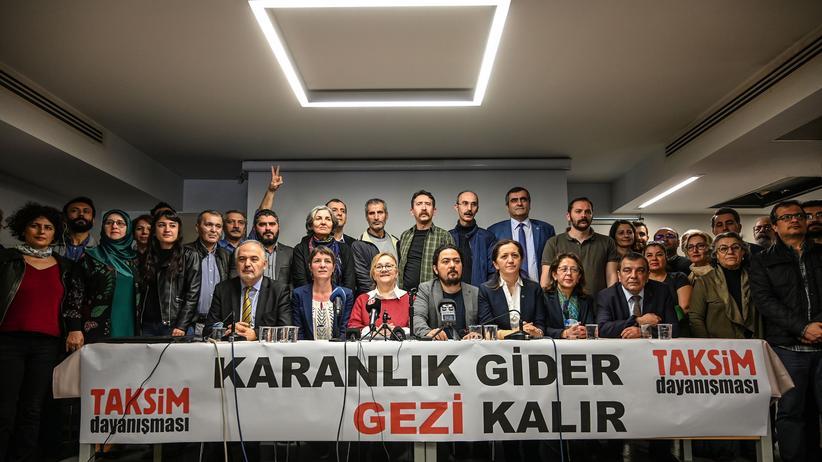 Türkei: Prozess gegen Kulturmäzen Osman Kavala beginnt