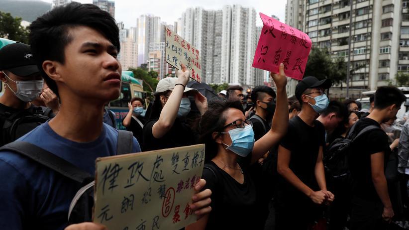 Proteste: Demonstranten zeigen sich solidarisch mit den am Sonntag festgenommenen Personen.