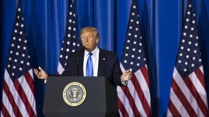Handelsstreit: Donald Trump hält sich den China-Konflikt warm