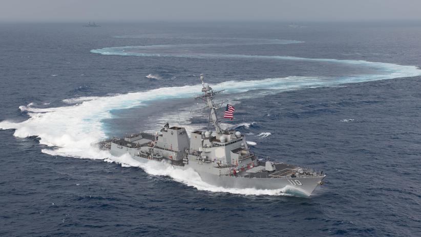 Straße von Hormus: US-Marineschiff zerstört iranische Drohne