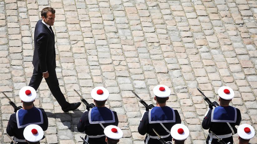 Emmanuel Macron will Militär im Weltraum aufbauen