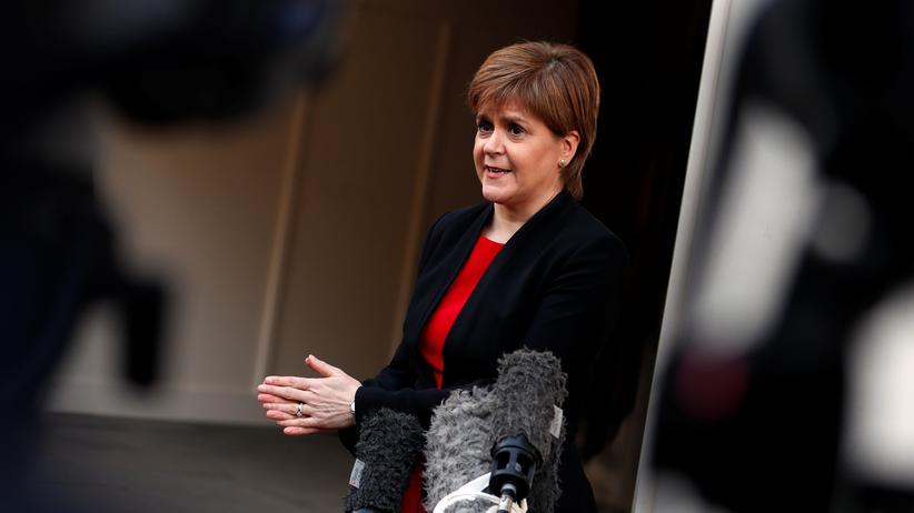 """Brexit: Die schottische Regierungschefin Nicola Sturgeon nennt die Regierung unter Boris Johnson """"gefährlich""""."""