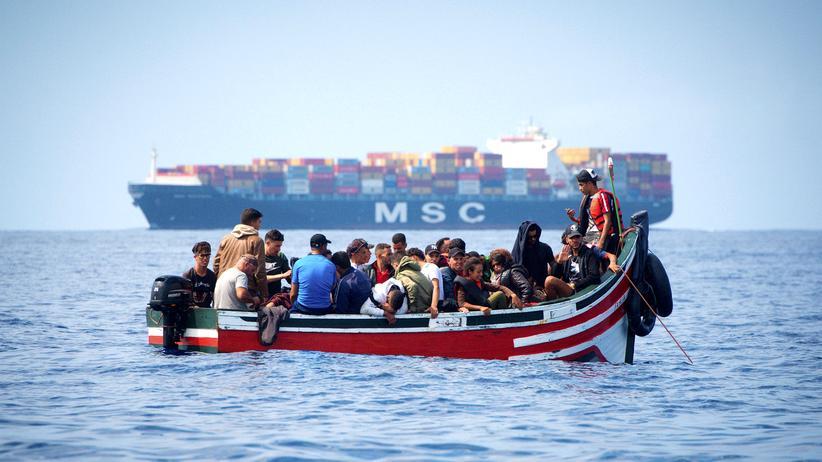 """Seenotrettung: """"Alan Kurdi"""" rettet 40 Menschen aus dem Mittelmeer"""