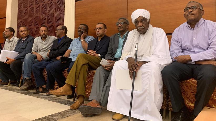 Sudan: Militär und Demonstrierende unterzeichnen Abkommen