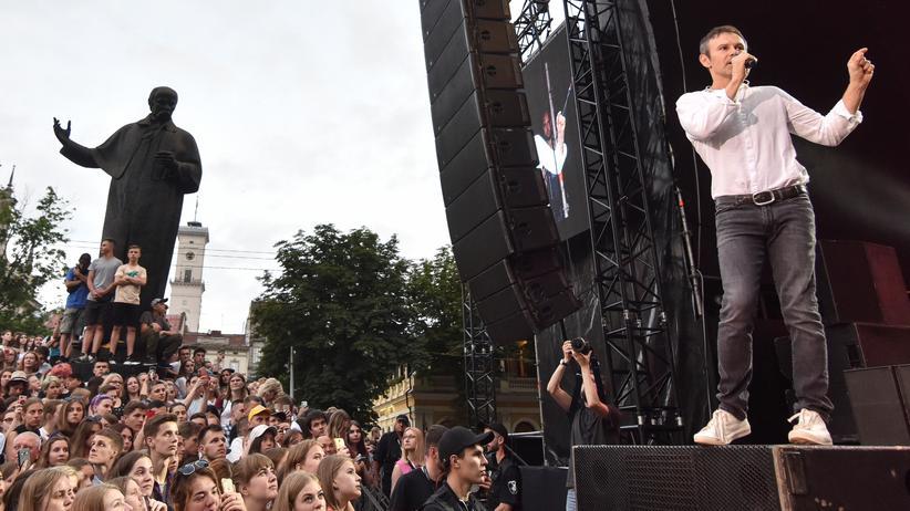 Swjatoslaw Wakartschuk: Wahlkampfveranstaltung und Konzert: der Frontman der Rockband Okean Elzy, Swjatoslaw Wakartschuk, im Juni im westukrainischen Lwiw