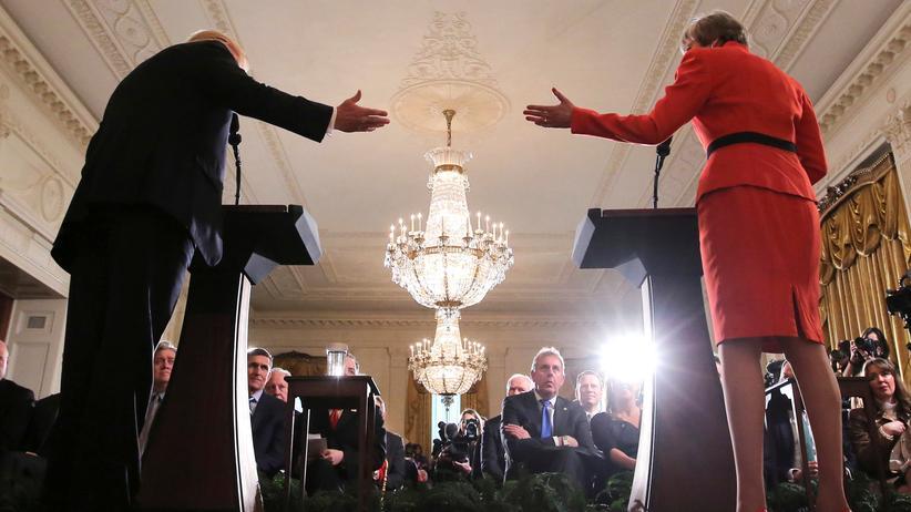 Britischer Botschafter: Der britische Botschafter in den USA, Kim Darroch, 2017 bei einer gemeinsamen Pressekonferenz von Donald Trump und Theresa May