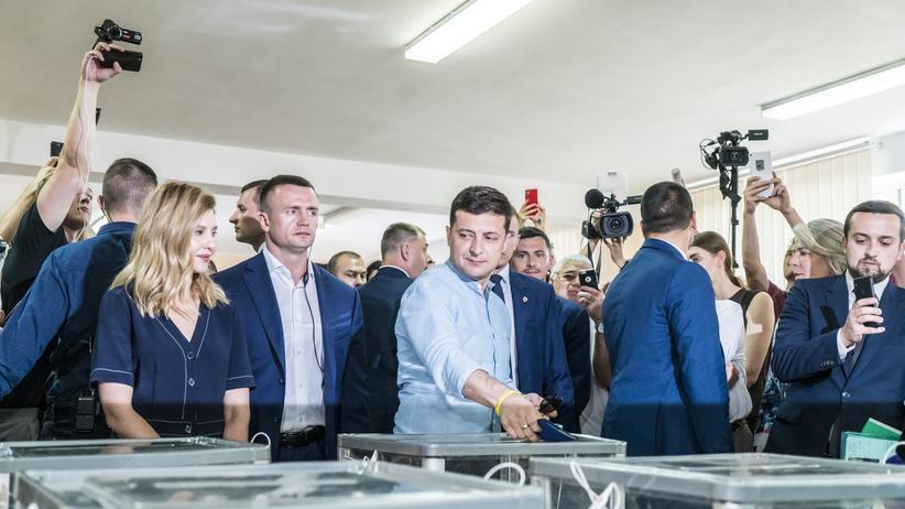 Ukraine-Wahl: Partei von Wolodymyr Selenskyj liegt laut Prognose vorn