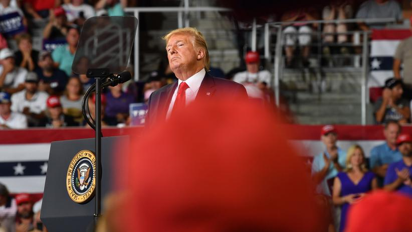 "Donald Trump: Donald Trump während einer Veranstaltung zum Thema ""Make America Great Again"" in Greenville, North Carolina"