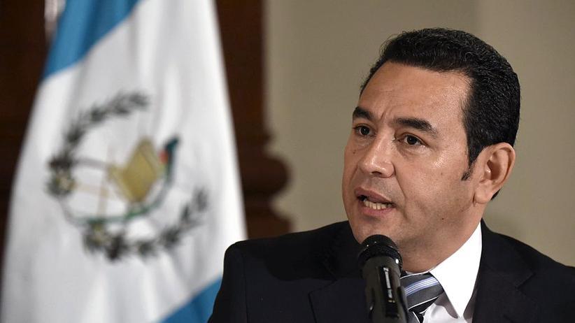 USA: Mit seinem US-Deal übergeht Guatemalas Präsident Jimmy Morales eine Entscheidung des Verfassungsgerichts.