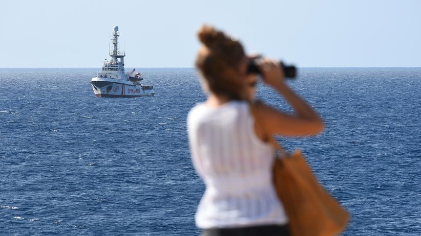"Giuseppe Conte: Die ""Open Arms"" vor Lampedusa"