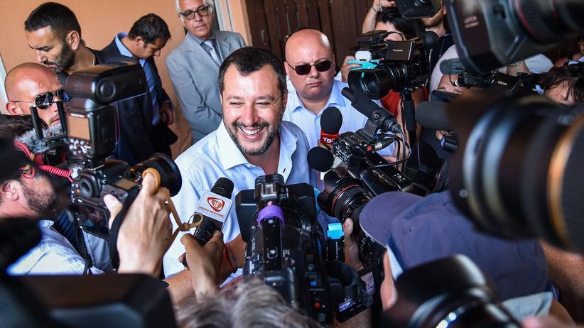 Italien: Matteo Salvini, italienischer Innenminister und Chef der rechtspopulistischen Lega, während eines Besuchs in Mineo, Sizilien