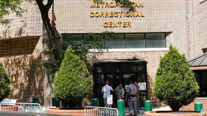 Nach Epsteins Tod: In diesem Gefängnis in Manhattan, dem Metropolitan Correctional Center, wurde Jeffrey Epstein tot in seiner Zelle aufgefunden.