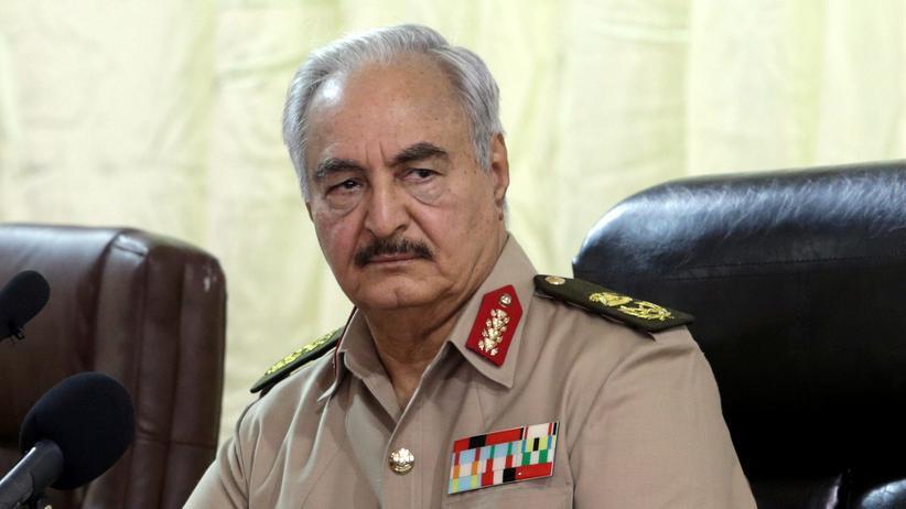 Bürgerkrieg: General Chalifa Haftar soll für den Luftangriff mit 43 Toten verantwortlich sein.
