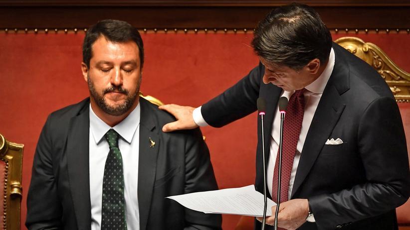 Matteo Salvini: Schon zu Beginn der Senatssitzung wurde deutlich, dass er am liebsten wieder rauswollte aus der Krise, die er selbst ausgerufen hatte: Lega-Chef Matteo Salvini.