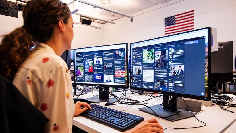 """Datenschutz: Facebook hat das sogenannte Lagezentrum """"War Room"""" eingerichtet, von dem aus Falschinformationen aufgespürt und gelöscht werden sollen."""