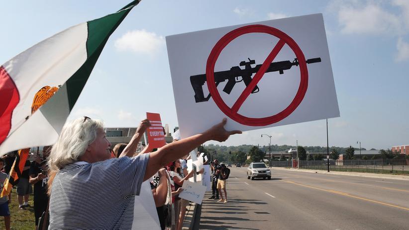 Waffen in den USA: Menschen demonstrieren in Dayton für schärfere Waffengesetze.