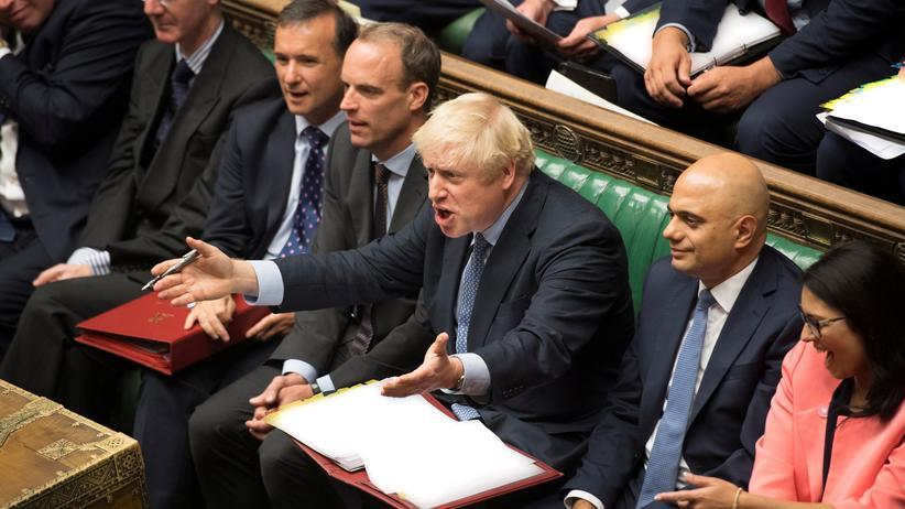 Brexit-Abstimmung: Großbritanniens Premierminister Boris Johnson gestikuliert während einer Debatte im britischen Unterhaus.