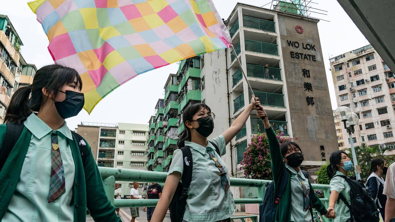Carrie Lam: 20.000 Hongkonger wollen mit ihrer Regierungschefin sprechen