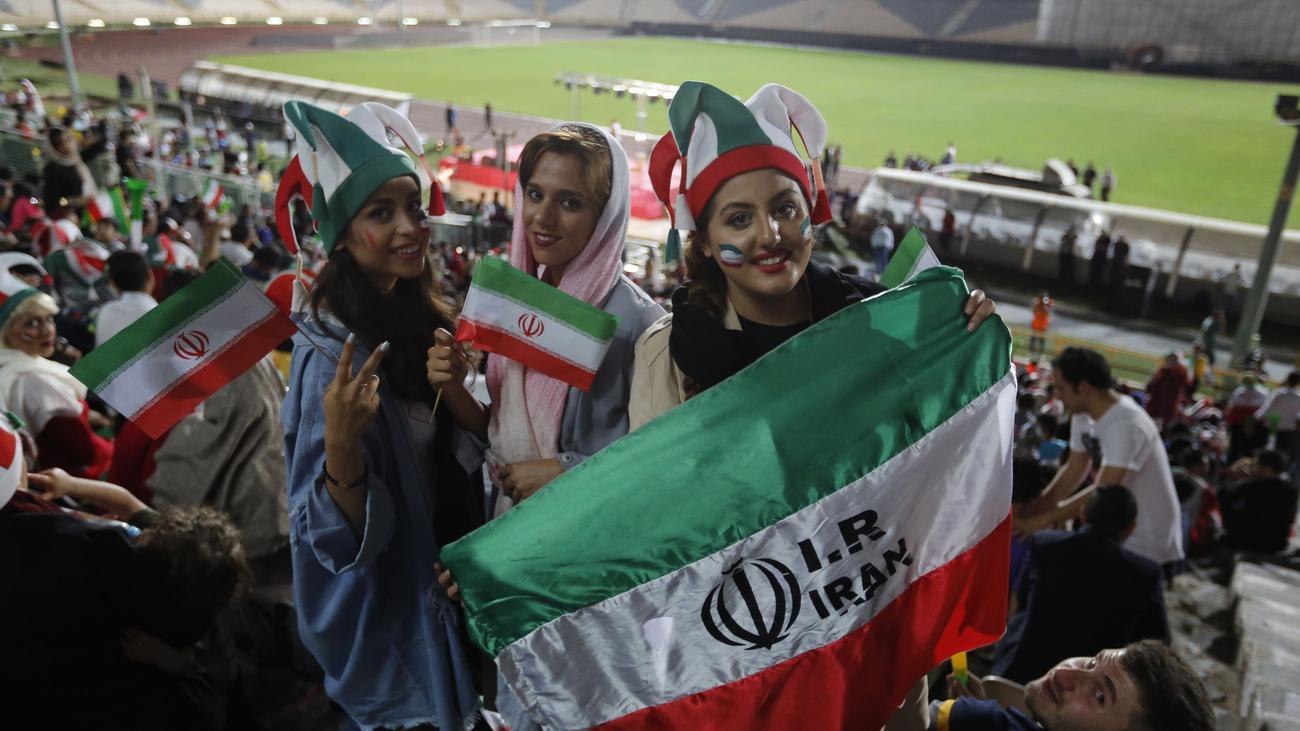 Iran: Frauen dürfen Länderspiele im Stadion sehen