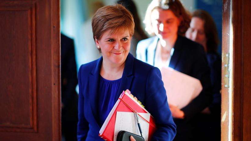 Nicola Sturgeon droht mit neuem Unabhängigkeitsreferendum