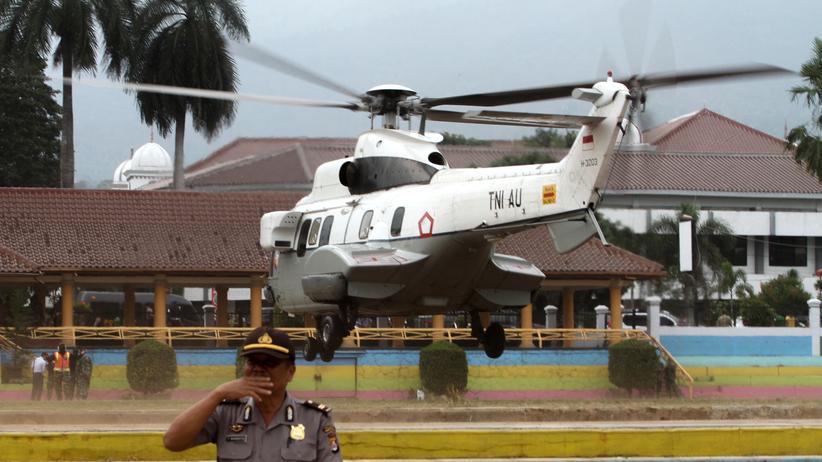 Wiranto: Ein Helikopter des indonesischen Militärs transportierte Sicherheitsminister Wiranto.