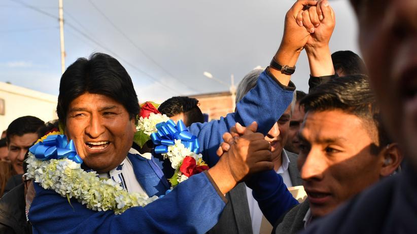 Bolivien: Evo Morales könnte im ersten Wahlgang gewinnen