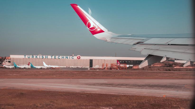 Die 58 Jahre alte Deutsch-Türkin aus Hamburg wurde am Flughafen der Stadt Diyarbakir festgenommen.
