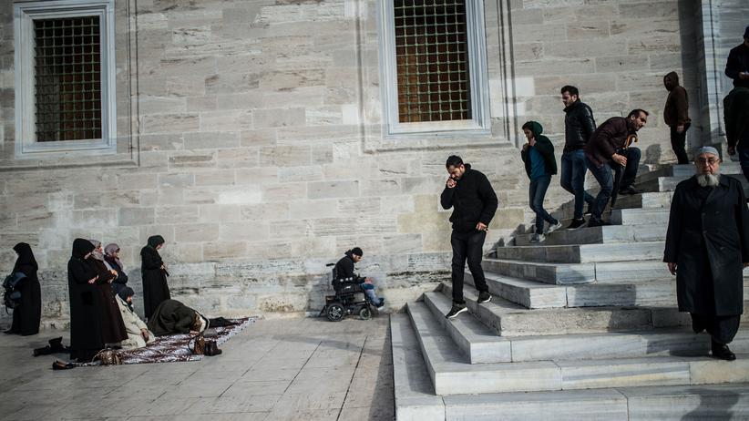 Jamal Khashoggi: Menschen in Istanbul nach einer Gedenkveranstaltung für Kashoggi