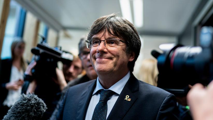 Katalonien: Puigdemont stellt sich nach Haftbefehl in Belgien
