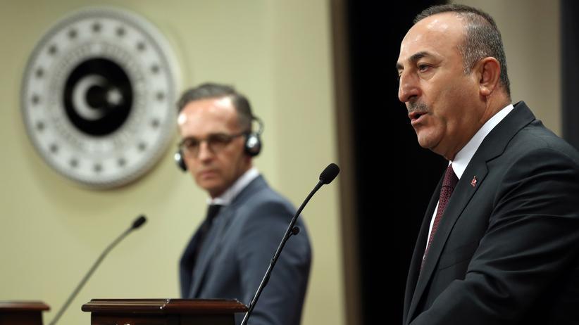 Nordsyrien: Der türkische Außenminister Mevlüt Çavuşoğlu bei einer Pressekonferenz mit seinem deutschen Amtskollegen Heiko Maas in Ankara.