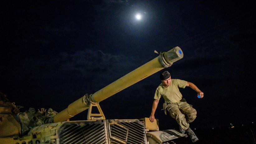 Nordsyrien: Ein türkischer Panzer an der Grenze zu Syrien