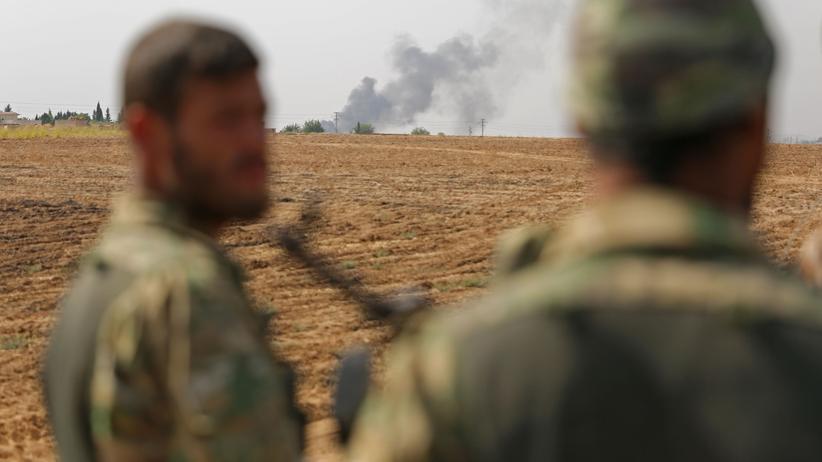 Offensive in Nordsyrien: Protürkische syrische Kämpfer während der Offensive im Grenzgebiet